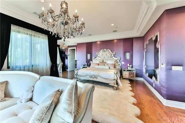 A bedroom fit for a queen (of pop)