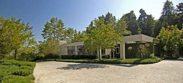 A portion of the Coldwater Canyon compound Ellen DeGeneres sold to Ryan Seacrest for $37 million in 2012.