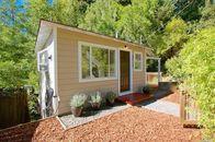 Tiny House: Escape From San Francisco