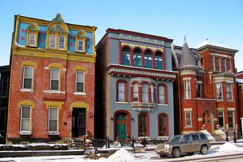 Homes in the U.S. Towns With the Fastest-Growing Economies