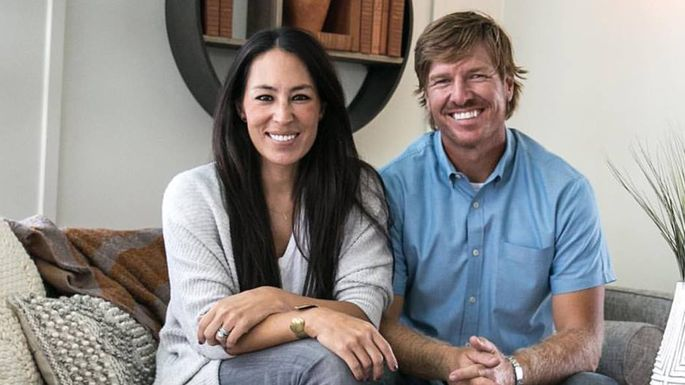 chip and jo 39 s newest 39 fixer upper 39 is a must see vacation rental. Black Bedroom Furniture Sets. Home Design Ideas