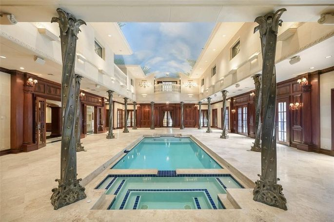 Elaborate natatorium