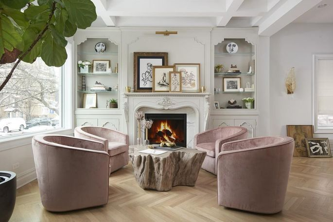 Living room with Parisian mantel in Chicago, IL