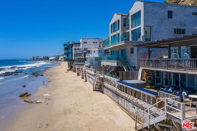 Ricky Schroder's Malibu beach bungalow