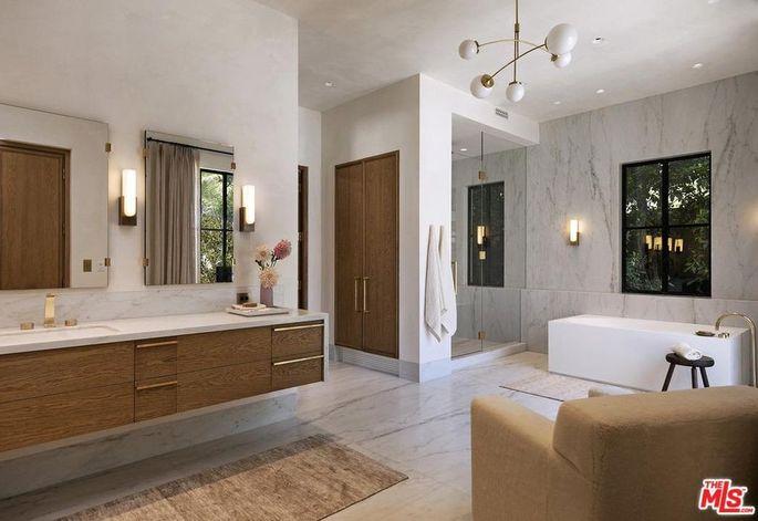 Bellagio Estate bathroom