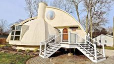 This Wonderfully Shaped Mushroom House Simply Needs a Buyer To Take a Bite