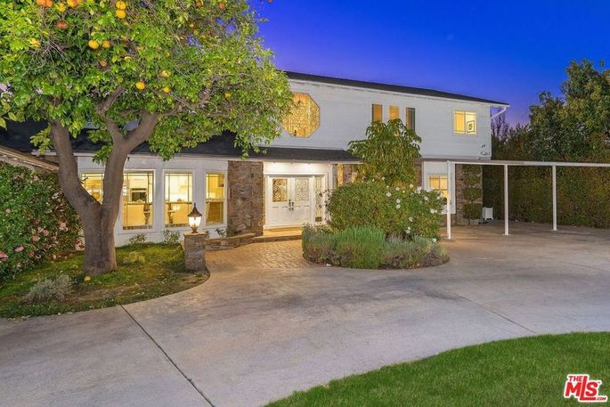 Tom Segura's San Fernando Valley home