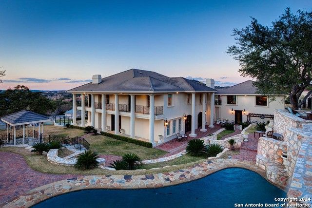 Photo: house/residence of the know-it-all 20 million earning Texas, United States-resident