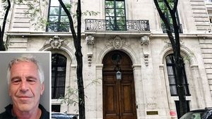 Jeffrey Epstein's Manhattan Townhouse Sells at a Big Discount