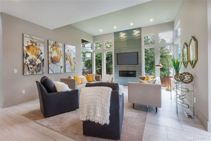 Seattle mariner jean segura scored home in bellevue for 4 for B q living room lights