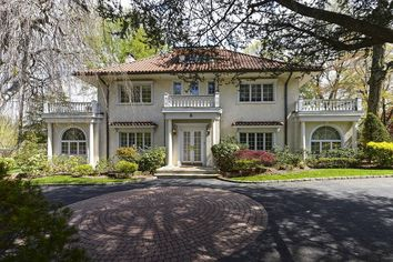 Long Island Home of F. Scott Fitzgerald Seeks $3.9 Million