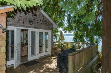 Tiny House: Waterfront Washington Cottage on Puget Sound