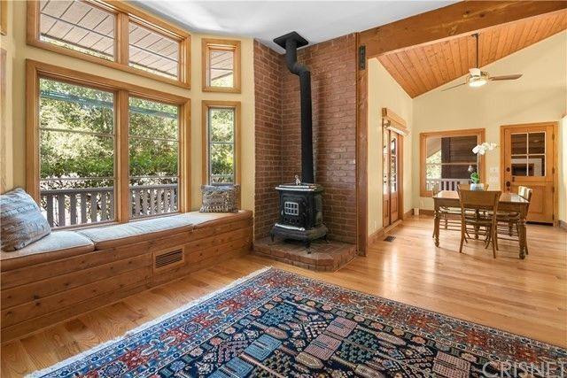 Living room Rainn Wilson house