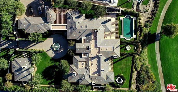 Aerial view of Kimye's potential Palm Springs–area pad