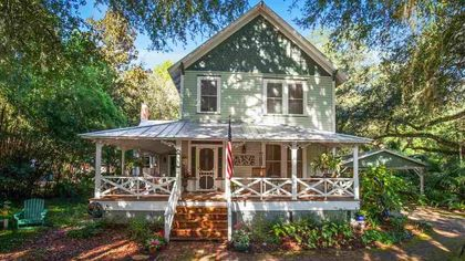 Built From Heart Pine, This Historic Florida Home Will Make You Swoon