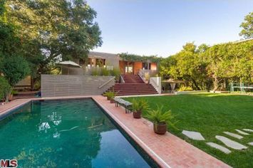 Harry Styles' Buys House Near Beverly Hills