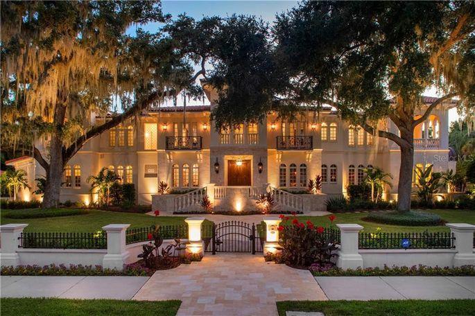 Royal Palm Way, Tampa, FL