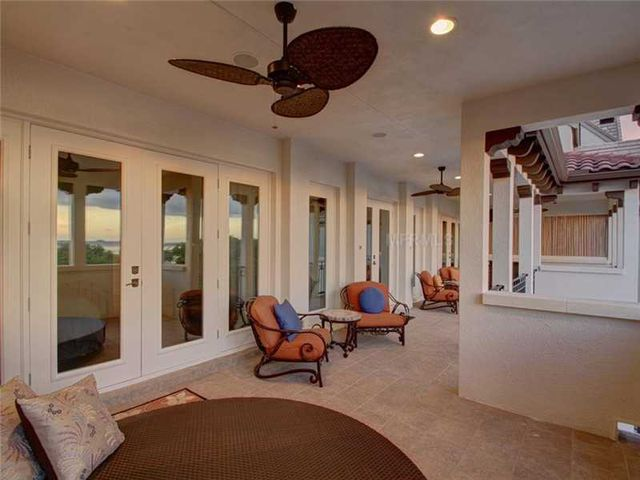 rob-gronkowski-sells-party-mansion-in-tampa-16