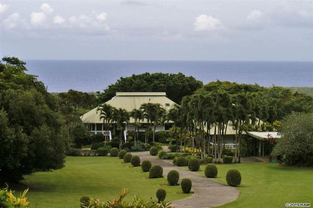 Exterior of Jim Nabors estate in Maui