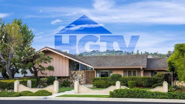 Can HGTV Bring Back the 'Brady Bunch' House? Pics Reveal What It'll Take