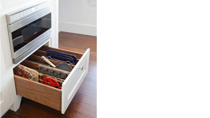 Vertical drawer