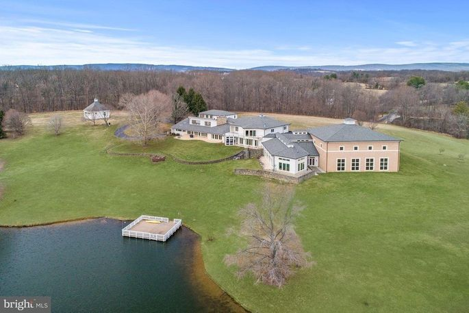 Martin Lawrence Selling Massive Virginia Ranch For 8 5m