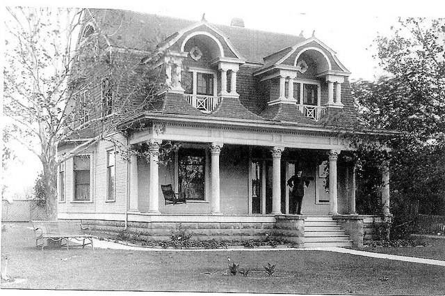 Fort Worth home in its original location.