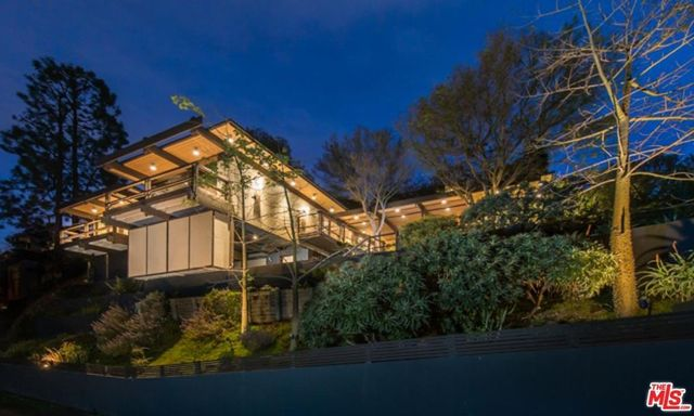 Mid-century modern home owned by James Woods