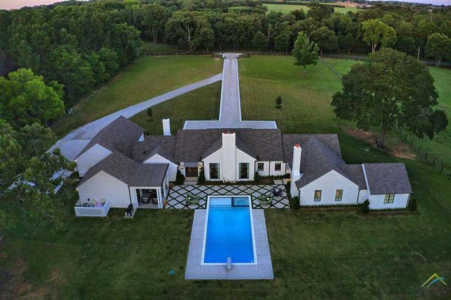 Overhead of modern farmhouse in Flint, TX