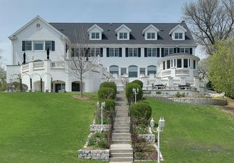 Built for a Pabst Heiress, Wisconsin Mansion Is All About Lavish Detail