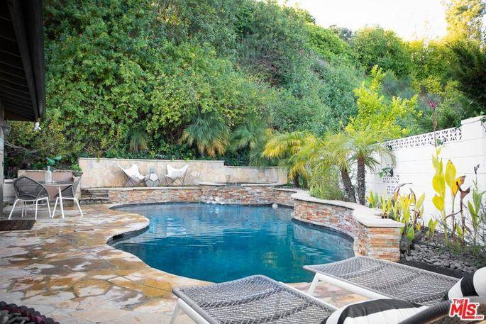 Amoeba-shaped pool