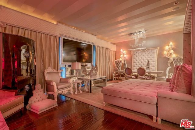 Living room Barbie Bev Hills condo