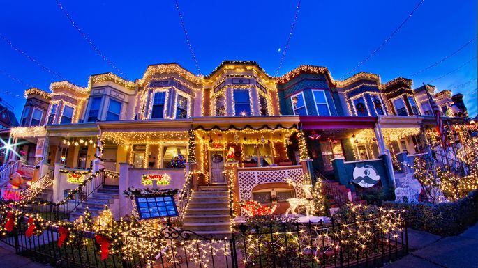 6 Neighborhoods With the Wildest Holiday Decorations - 6 Neighborhoods With The Wildest Holiday Decorations Realtor.com®