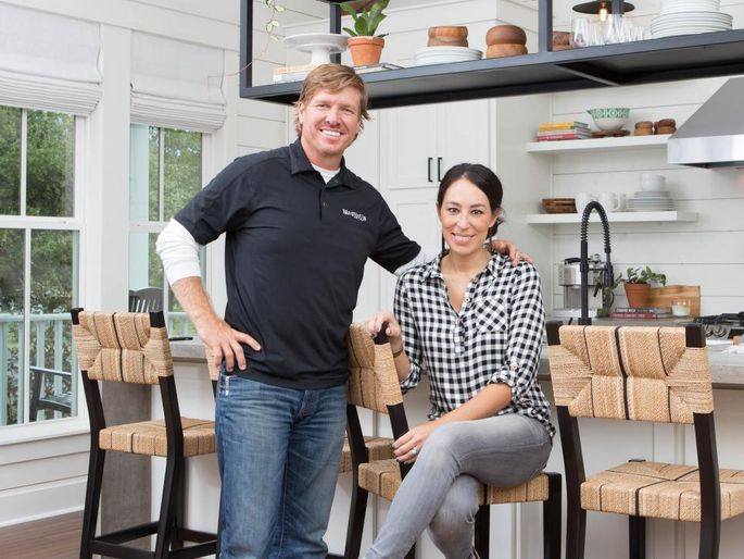 chip and joanna gaines 39 fixer upper 39 season finale brings tears. Black Bedroom Furniture Sets. Home Design Ideas