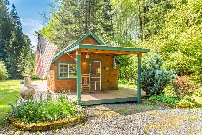 washington photo by cabins listing volcano near vacation bears home lodge rentals state rainier three main area country mt