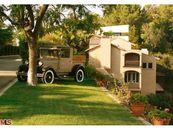 LA Lakers Legend Elgin Baylor Selling Beverly Hills Mansion