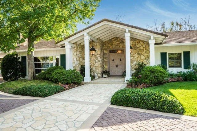 Rare one-story home in Rolling Hills, CA