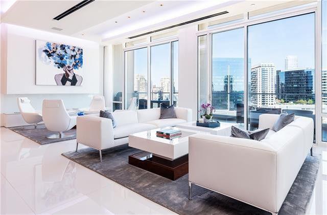 Delon Wright's Dallas penthouse