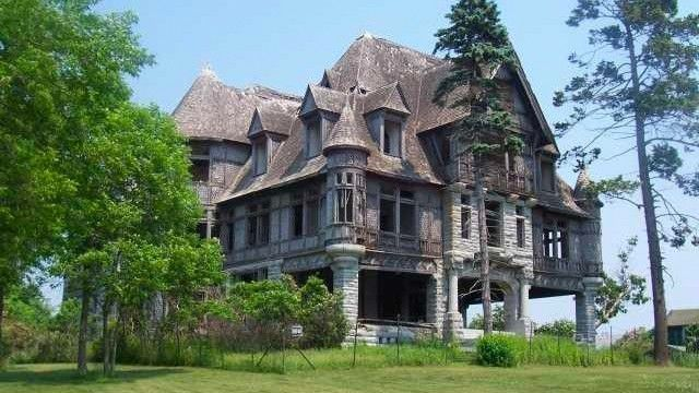 Abandoned for 70 Years, Carleton Island Villa Is on the