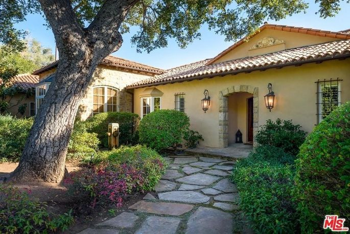 This is what a modest mansion looks like in Montecito.