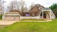 $850K Double Dome Home in Virginia Gives Off Groovy Vibes