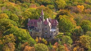 Charming Castle on the Hudson River Requires a Royal Restoration