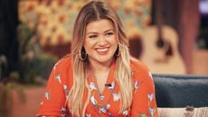 Kelly Clarkson Looking To Sell Her Encino Farmhouse for $8.9M